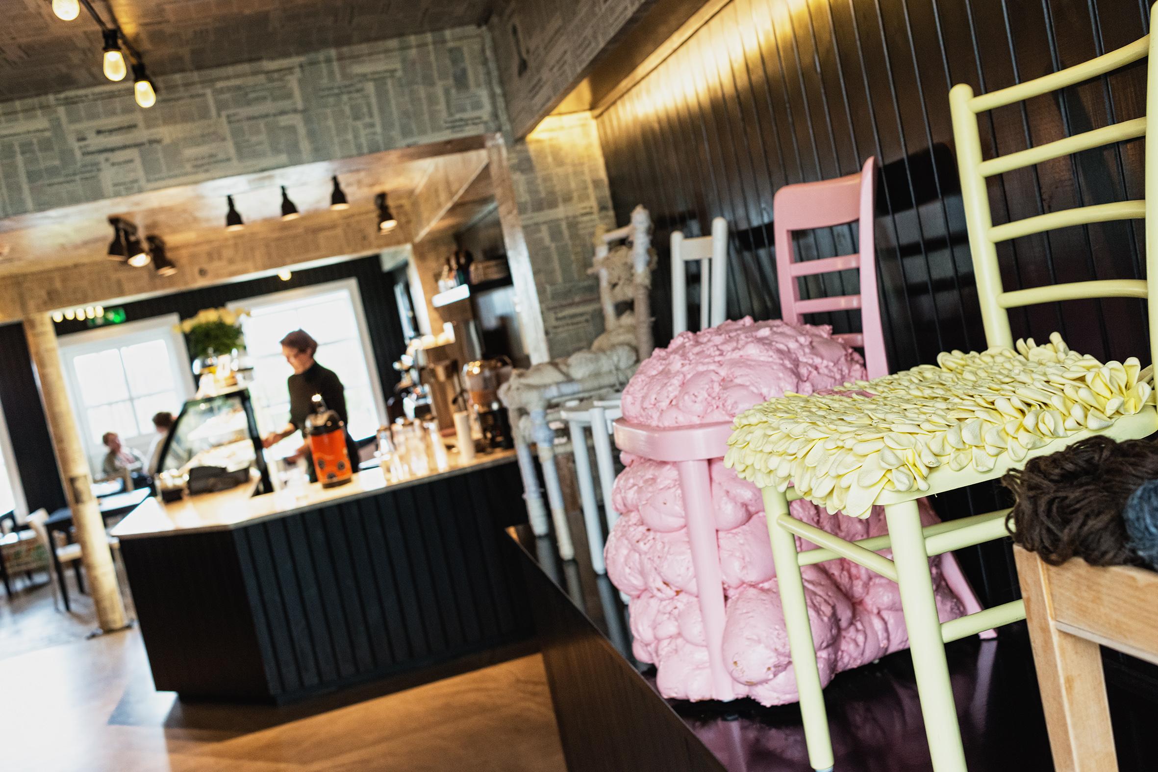 Innenansicht des Cafes Frida auf Island