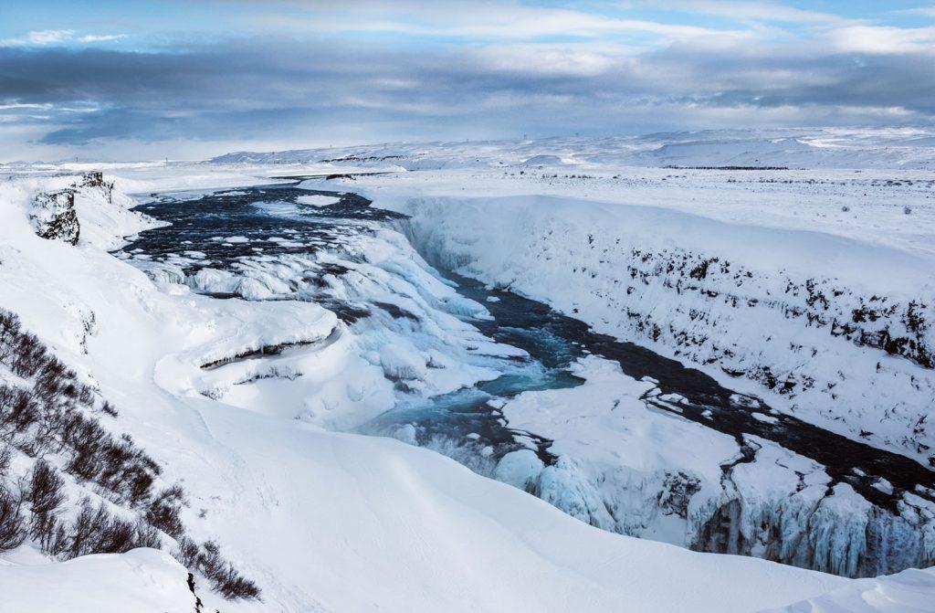 Gullfoss in Schnee und Eis
