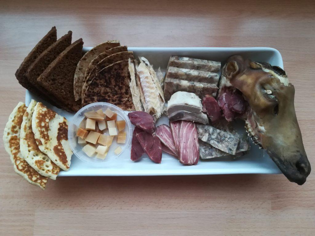Typisch isländische Speisen an Þórrablót, dem Mittwinter-Fest