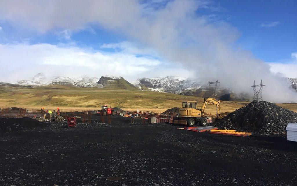 """Die Entstehung von """"Orca"""" 30 Kilometer östlich von Reykjavík."""