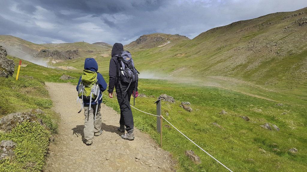 Wandern im Reykjadalur Island