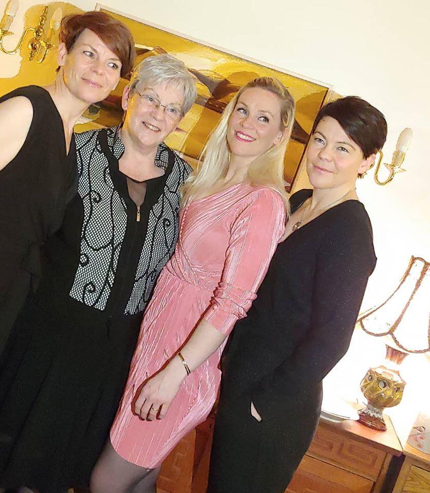 Gemeinsam feiern: An Þórrablót, dem isländischen Mittwinter-Fest, kommen Familien und Freunde zusammen.