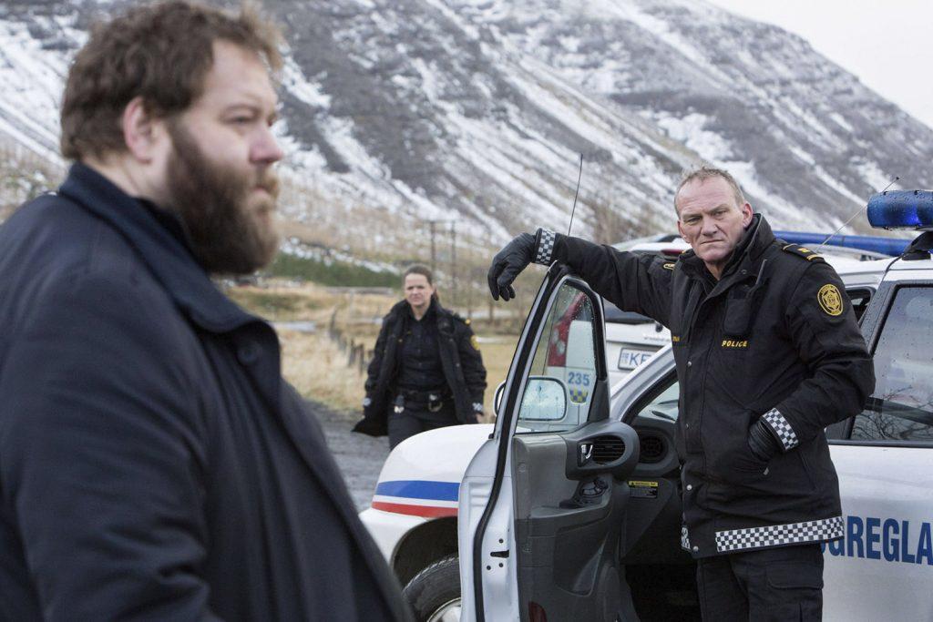 Arní, Ásgeir und Hinrika ermitteln gemeinsam